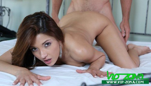 Passion-HD.com - Evilyn - Hooking Up [SD 534p]