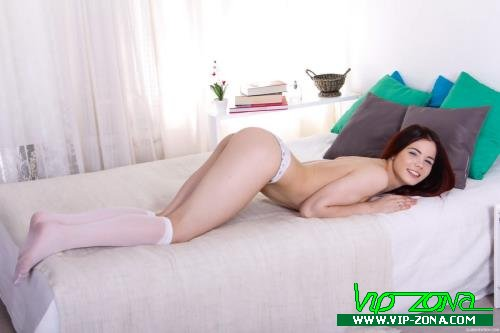 Loveini Lux - Nympho in Nylons (2018/Anal-Angels.com/TeenMegaWorld.net/SD)