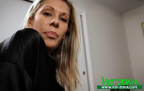 Nikki Brooks - Mommy Saves Me (2018/FullHD)